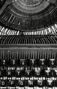 old-typewriter-1113326-m